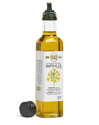 Coldpressed rapeseed oil extra mild organic baby food rich in omega 3 canola